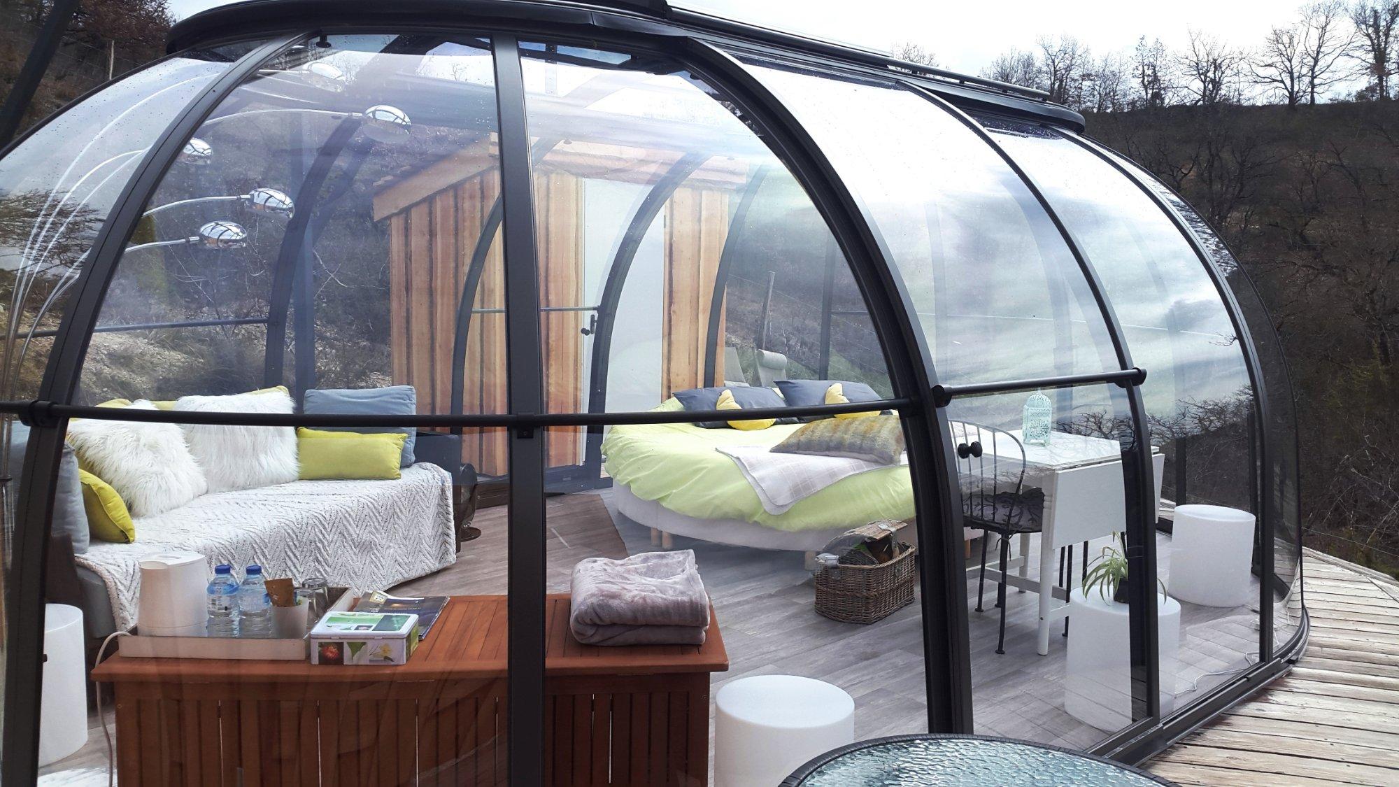 les gouttes d 39 eau nuit insolite en bulle occitanie. Black Bedroom Furniture Sets. Home Design Ideas