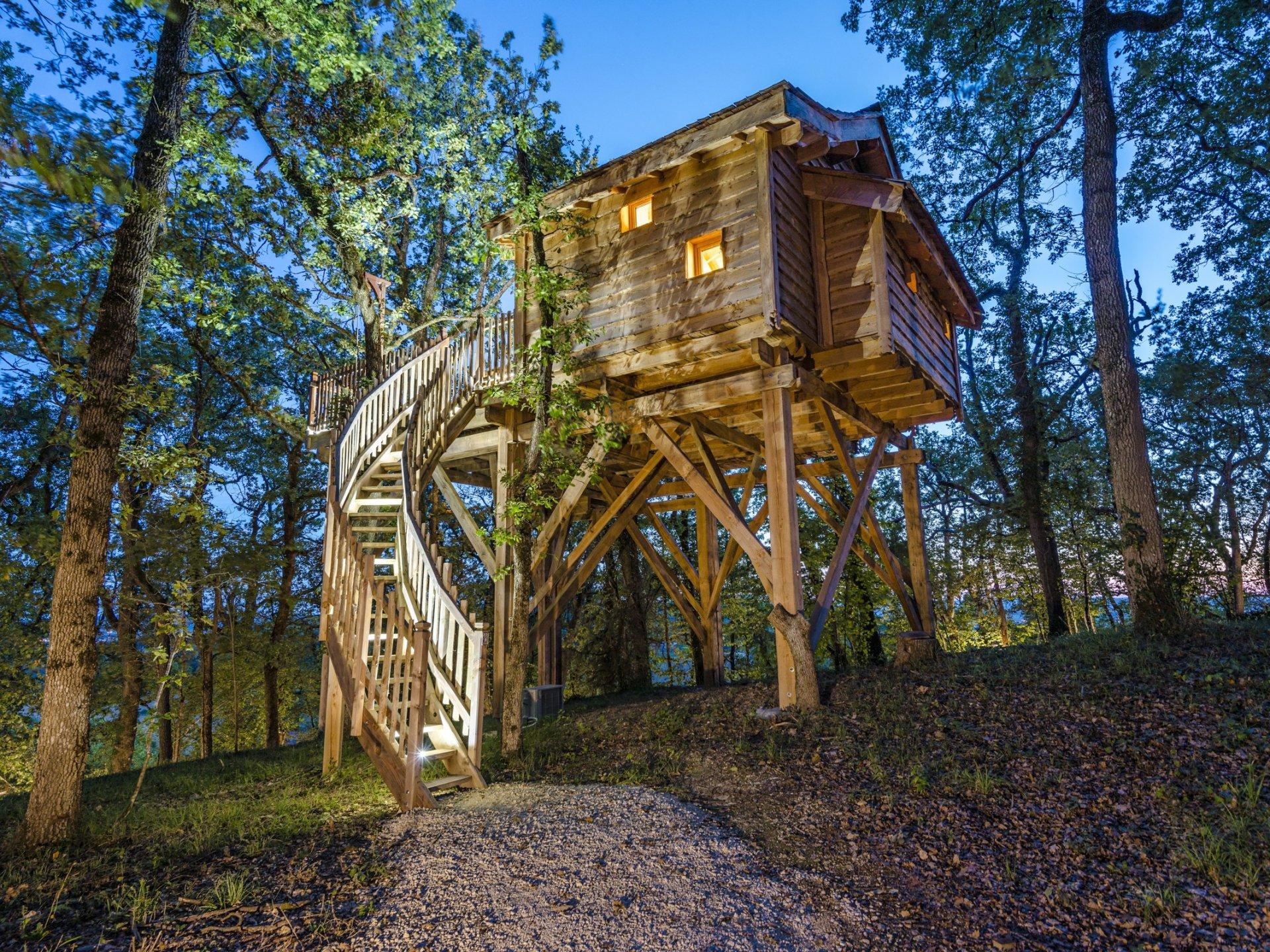 cabane spa toscane cabane dans les arbres aquitaine nouvelle aquitaine location insolite. Black Bedroom Furniture Sets. Home Design Ideas