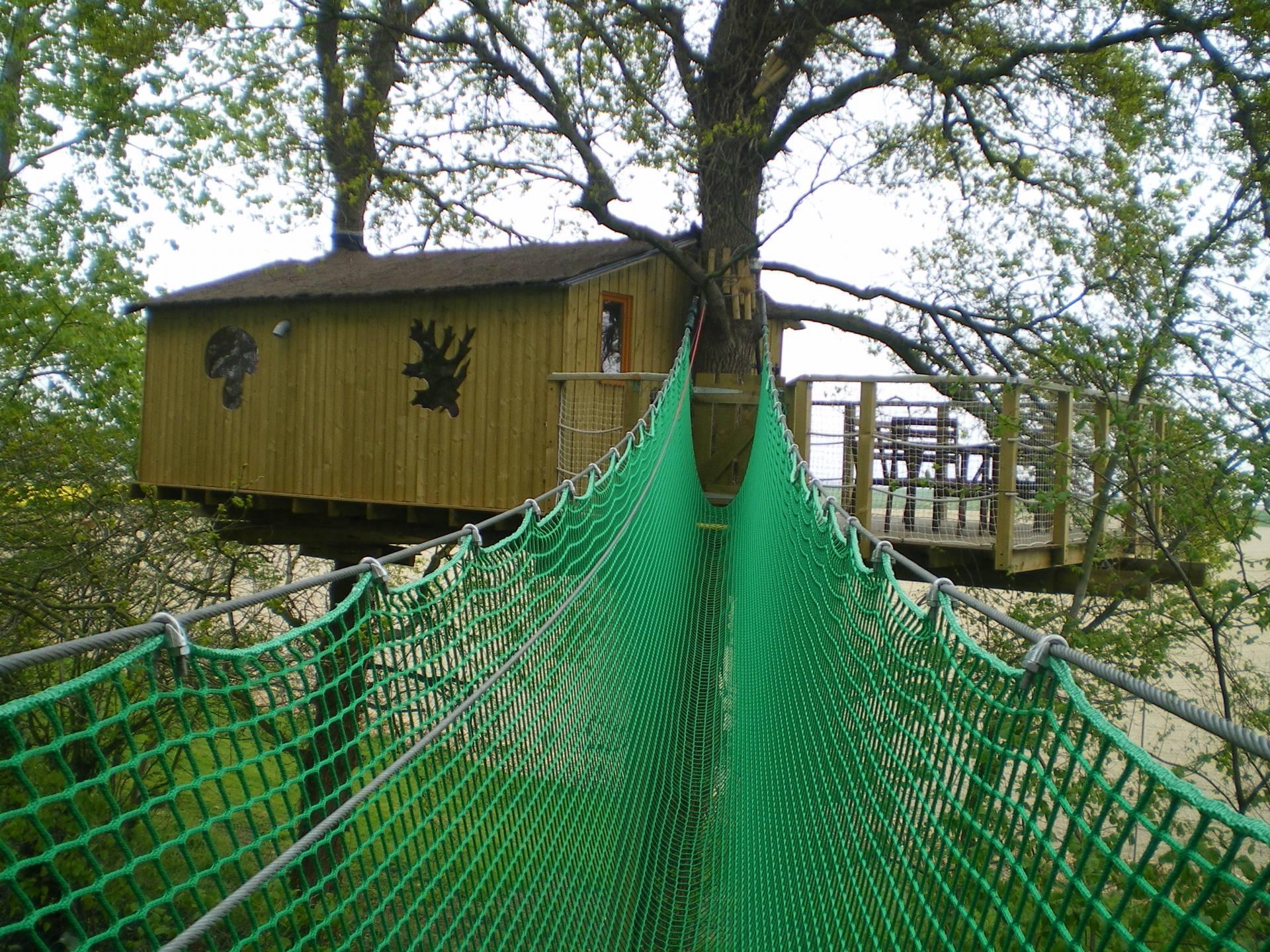 reposoir cabane dans les arbres bretagne hebergement insolite dormir bulle. Black Bedroom Furniture Sets. Home Design Ideas