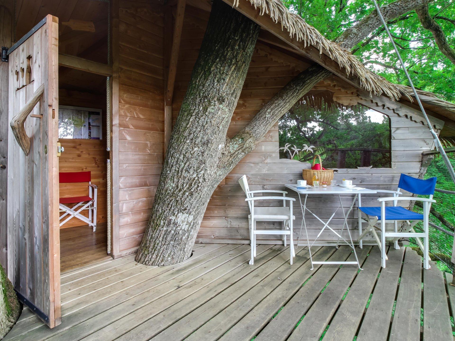 guadeloupe cabane dans les arbres pays de la loire hebergement insolite dormir bulle. Black Bedroom Furniture Sets. Home Design Ideas